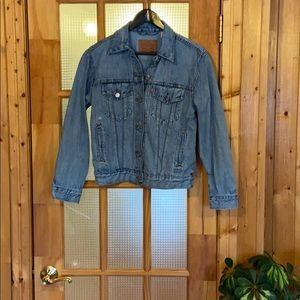 Levi's dad trucker Jean jacket, size s.